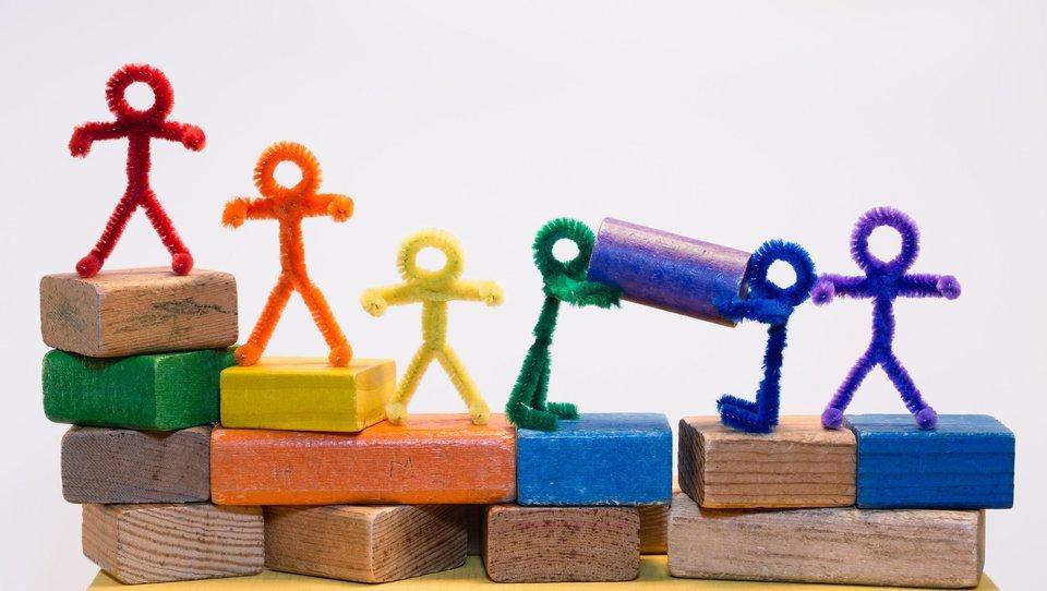 Czym się różnią style przywódcze wróżnych kulturach?
