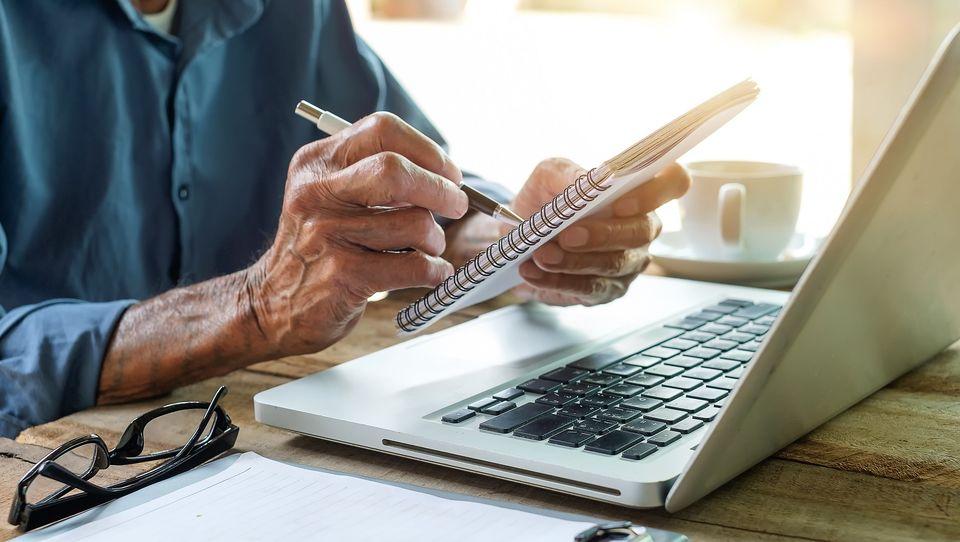 Jak zmieni się praca, kiedy większość ludzi dożywać będzie stu lat?