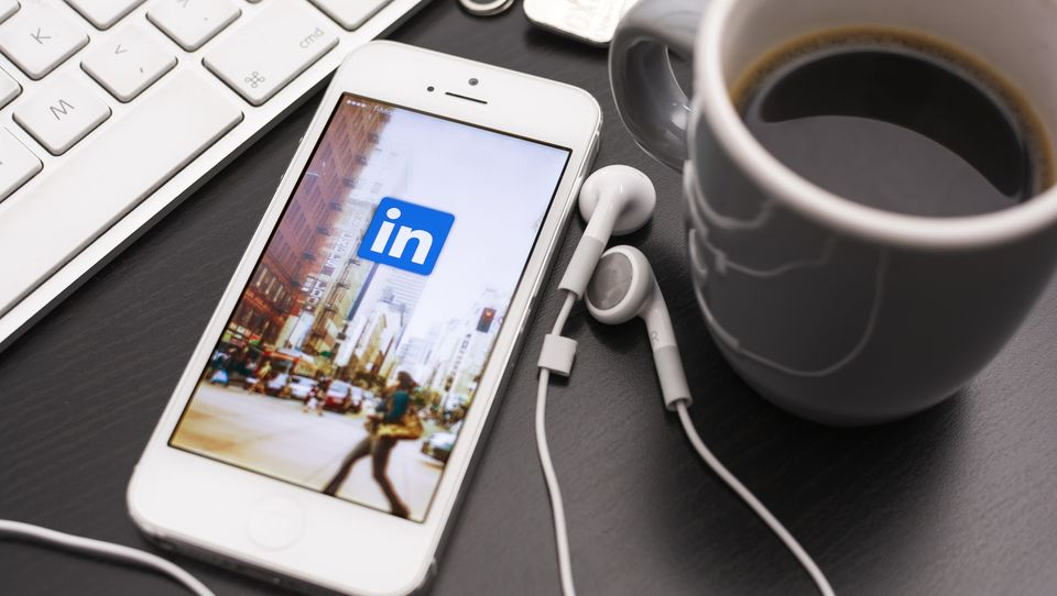 Jak wykorzystać profil LinkedIn wroli wehikułu kariery?