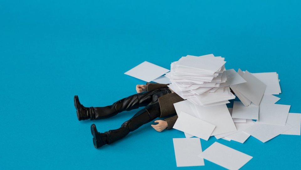 Biurokracja może pozbawić twoją firmę energii. Jak to zmienić?