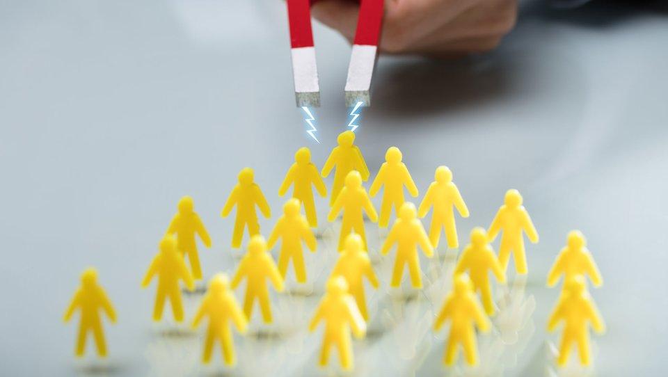 Najlepszy sposób budowania sieci kontaktów wnowej pracy