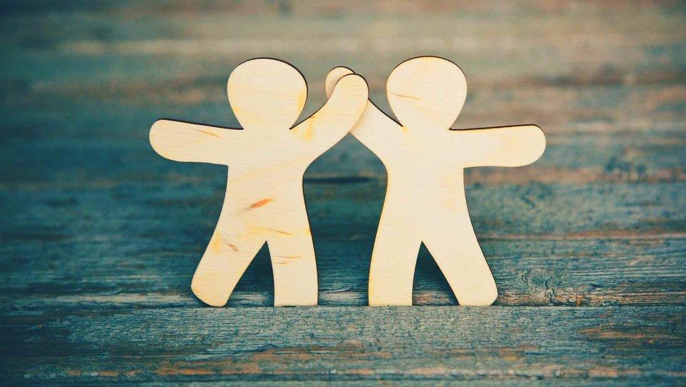Posiadanie przyjaciół wpracy może być trudne, ale warto