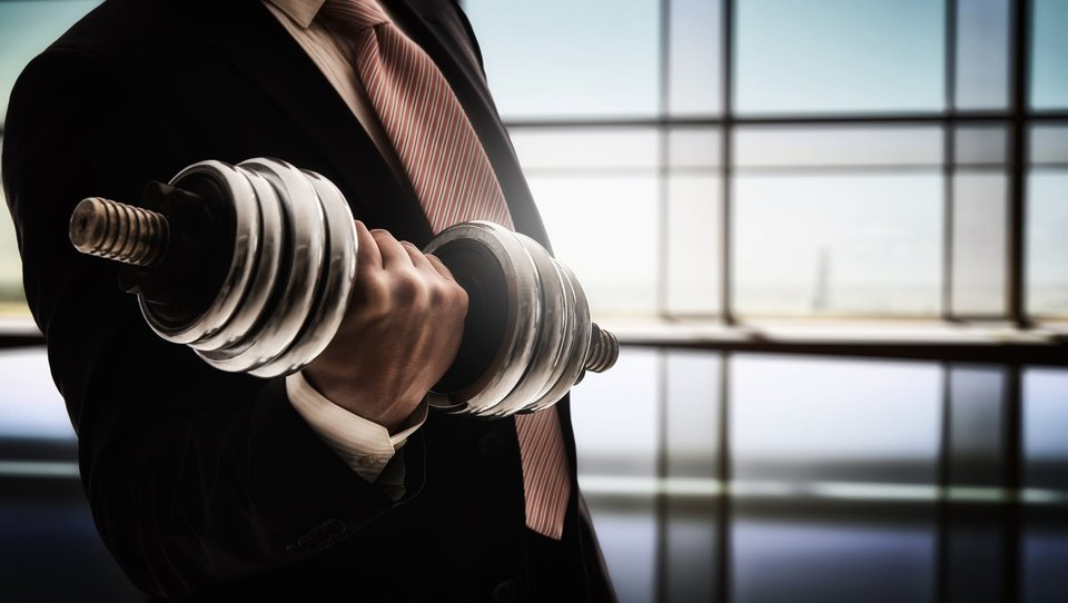 Jak liderzy mogą zachęcić pracowników do większego wysiłku, nie wywołując dodatkowego stresu