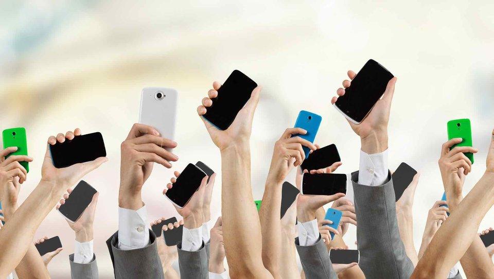 Trzy sposoby na kontrolowanie swojego uzależnienia od telefonu podczas urlopu
