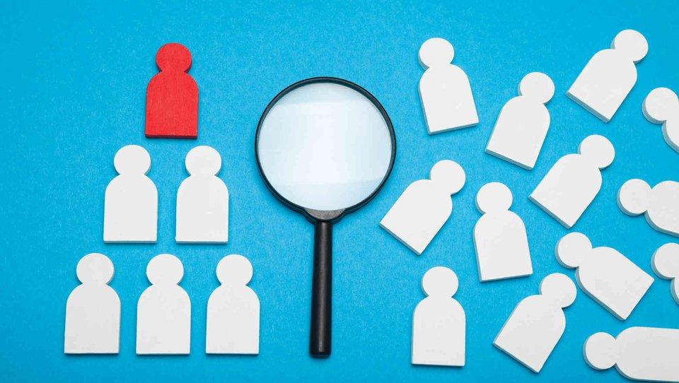 Rola wewnętrznych działów HR: strategiczne wsparcie czy administracja