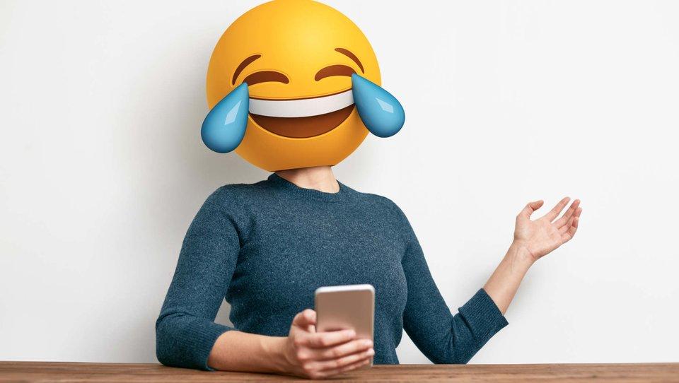 Dlaczego warto śmiać się wpracy?