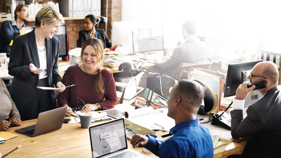 Najlepsi pracodawcy dokonują inwestycji wtechnologię