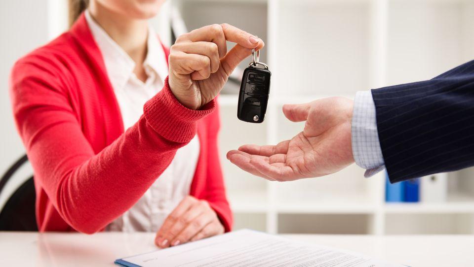 Leasing samochodu – poznaj odpowiedzi na najczęściej zadawane pytania