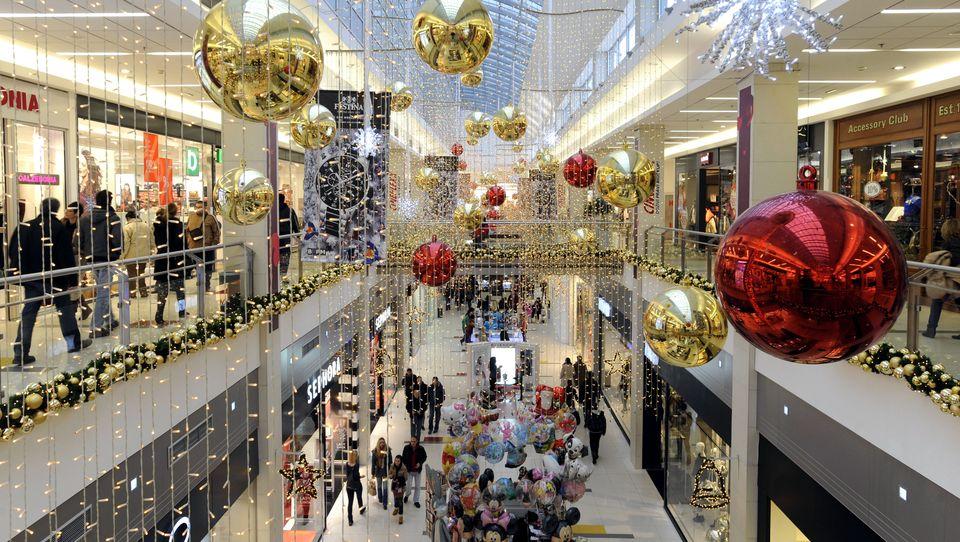 Cztery miesiące bożonarodzeniowych reklam? Większość dorosłych nie miałaby nic przeciwko