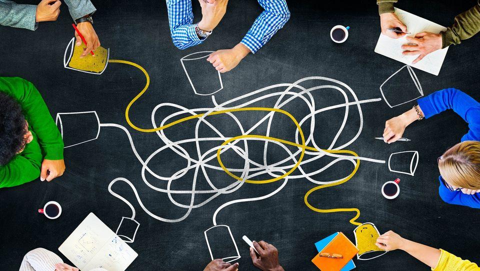 Efektywna komunikacja: jak rozwijać jedną znajważniejszych kompetencji liderów?