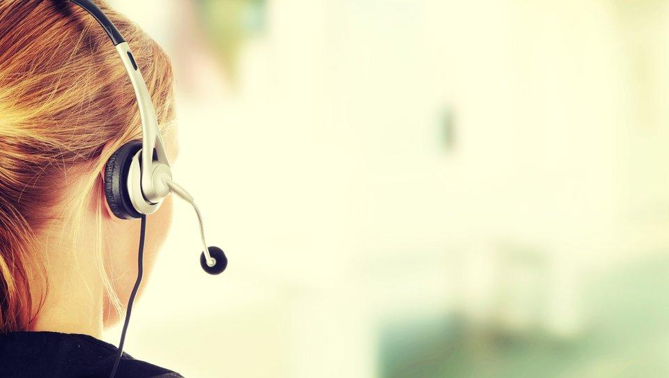 Jak efektywnie zdobywać klientów przez telefon?