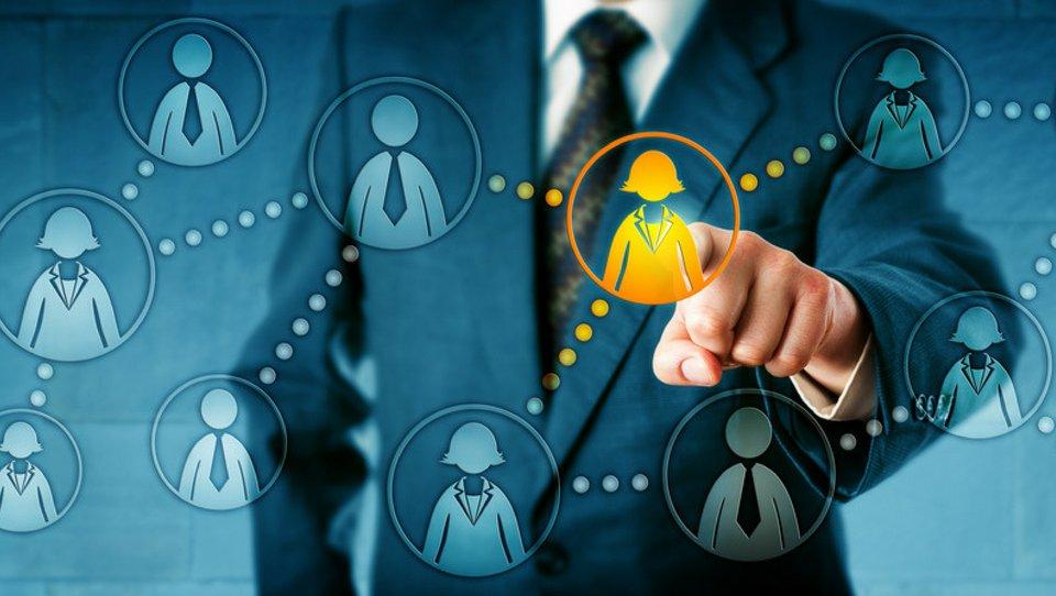 Jak rekrutować pracowników wewnątrz firmy?