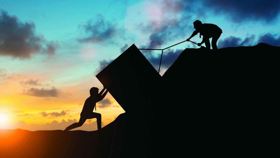 Dwa pytania, które pomogą sprzedawcom tworzyć szanse sprzedaży