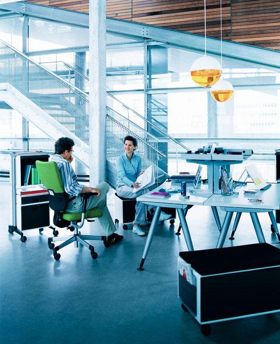 Od stacjonarności do mobilności: organizacja przestrzeni biura