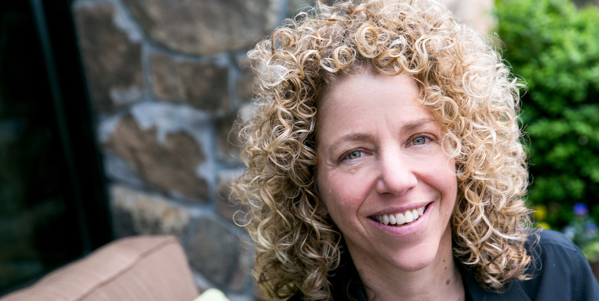 Julie Diamond: władza może pozbawiać tlenu