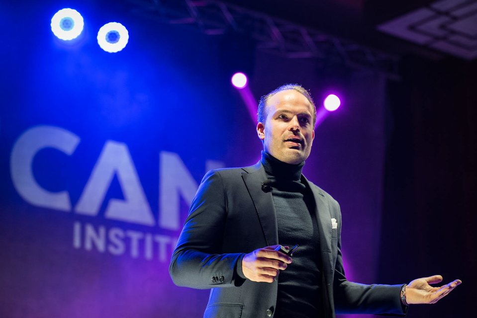 dr Wouter van den Berg