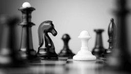 Jakie kompetencje wpływają na realizację strategii