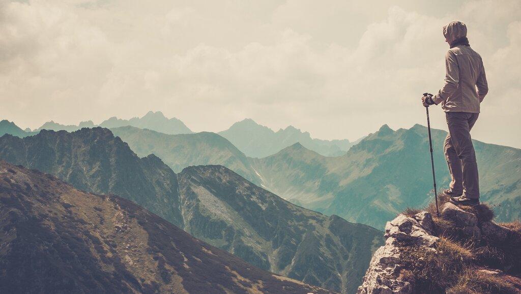 Samotność na szczycie. Konieczność czy wybór?