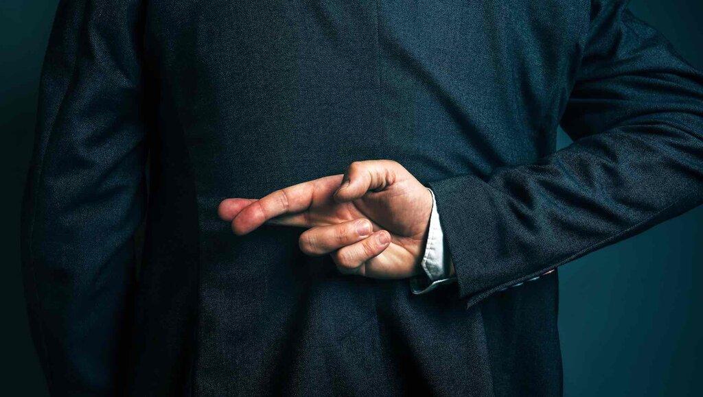 Co robić, gdy złapiesz szefa na kłamstwie