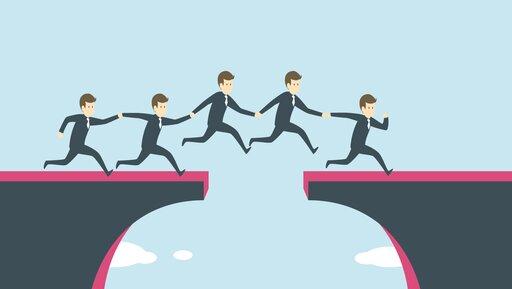 Strategia ajej realizacja – jak zlikwidować przepaść między nimi?