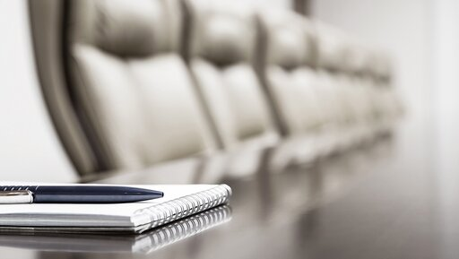 To, że jesteś szefem, nie oznacza, że powinieneś prowadzić każde spotkanie